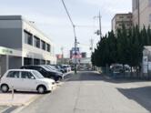 左にハローワークを見ながら直進しますと、つきあたりに当院が見えます。